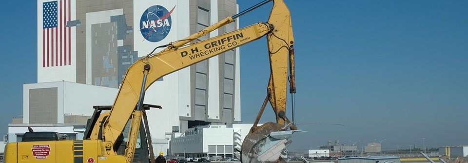 dh griffin excavator in front of nasa building