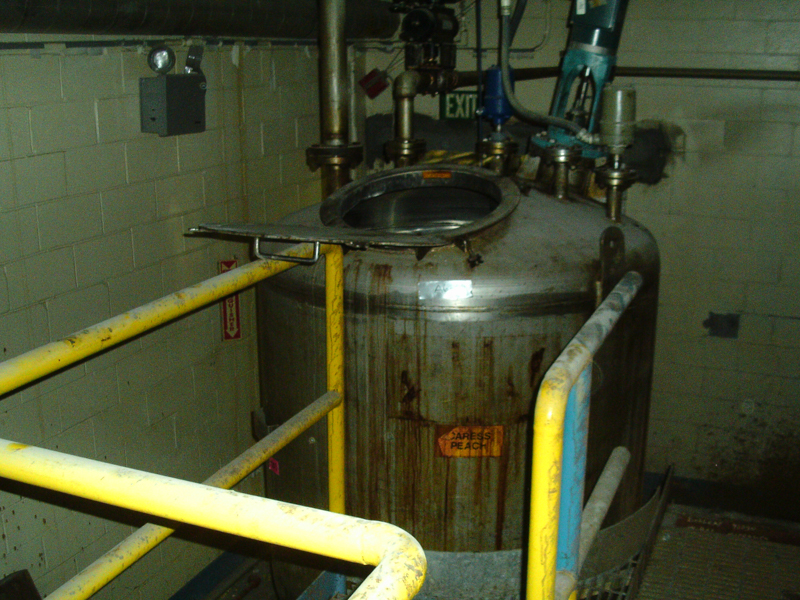 Used Casale approximately 425 gallon 304 stainless steel vertical tank(SOLD