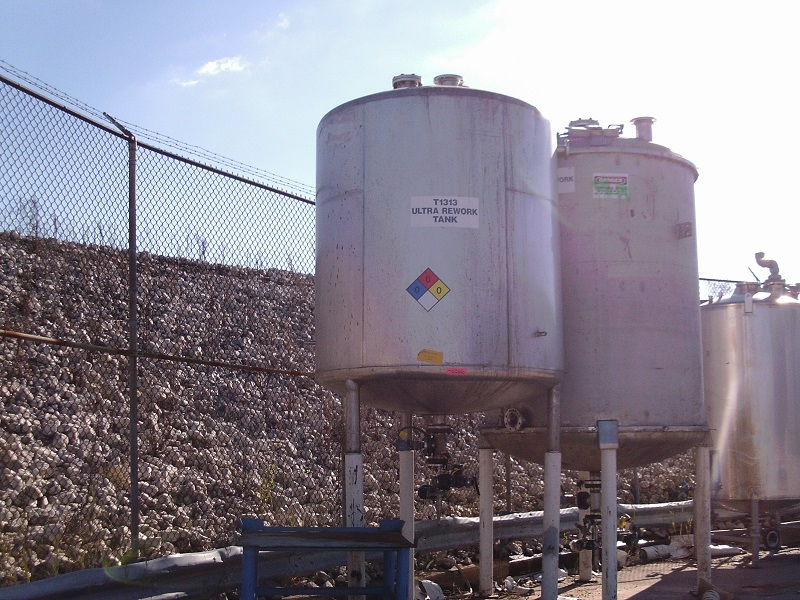 Used Northland Stainless approximately 2,500 gallon SS vertical tank(SOLD)