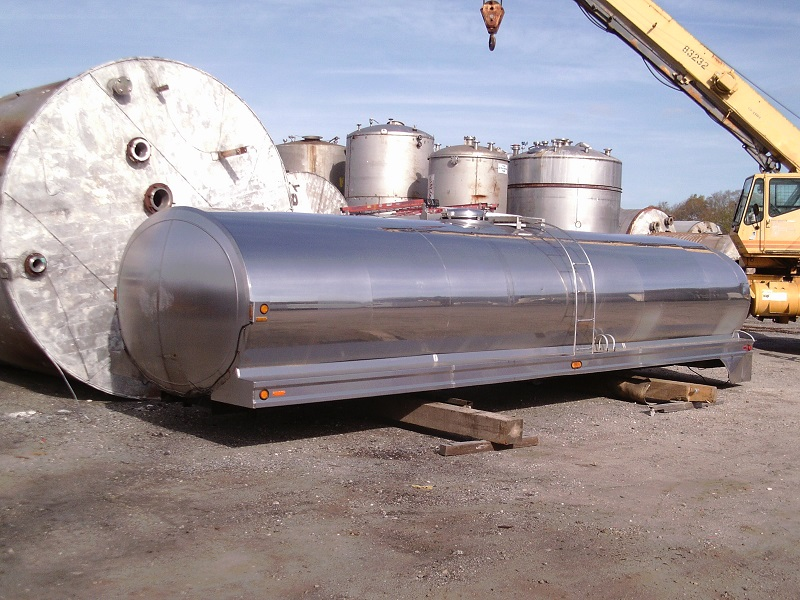 Used approximately 5000 gallon stainless steel horizontal dairy tank