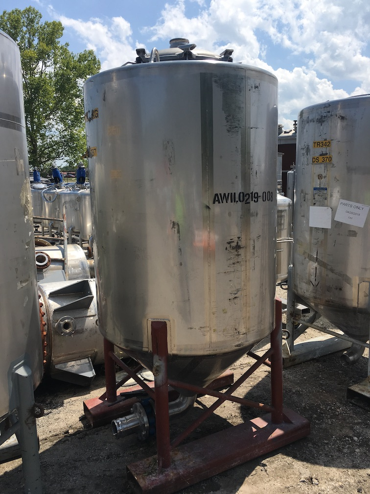 Used Walker 475 gallon 304 stainless steel vertical tank