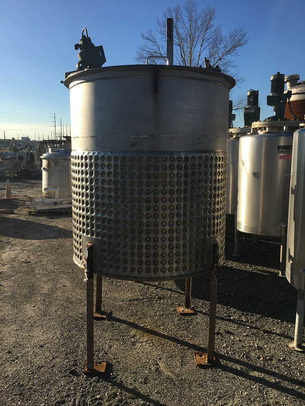 Used Piersol Pine MFG approximately 500 gallon vertical S/S jackected tank