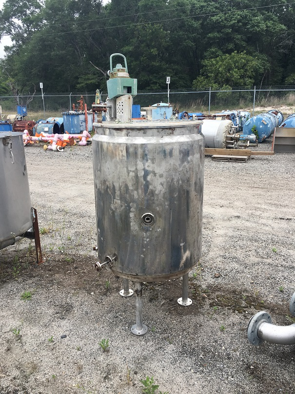 Used Lee Metals approximately 130 gallon vertical 304 S/S jackted mix tank