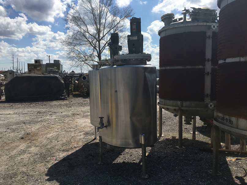 Used San-I-Tanks approximately 330 gallon vertical stainless steel mix