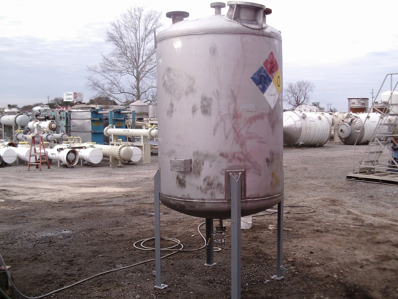 Used Industrial Sheet Metal Works approx. 500 gallon 304 S/S tank(SOLD)