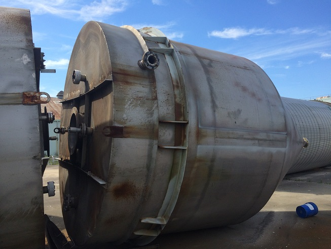 Used approximately 11,000 gallon stainless steel cone bottom silo
