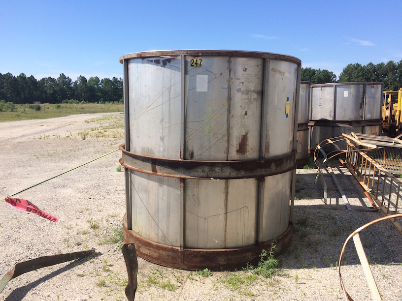 Used approximately 1,800 gallon vertical stainless steel tank(SOLD)