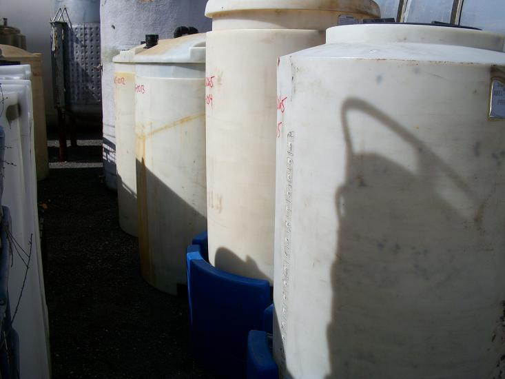 Used Poly Processing approximately 250 gallon vertical poly tank