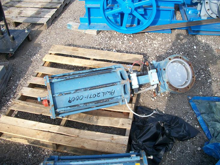 "Used DEZURIK 8"" pneumatic 316 stainless steel knife gate valve"
