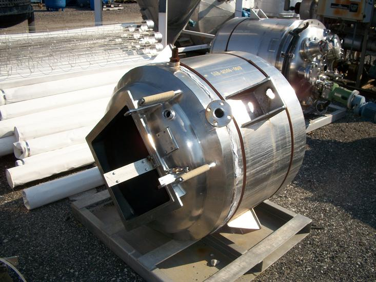 Used approximately 150 gallon 316 stainless steel cold wall jacketed tank
