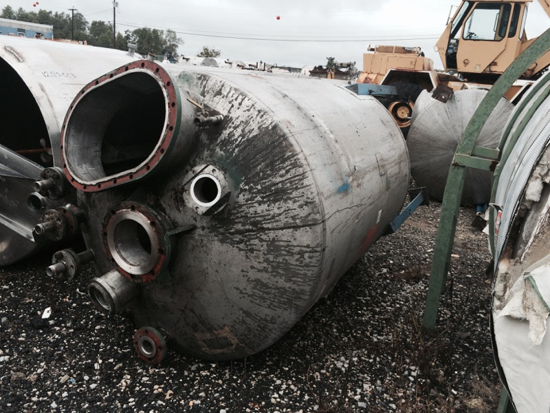 Used Perry approximately 670 gallon vertical T304 stainless steel mix tank.