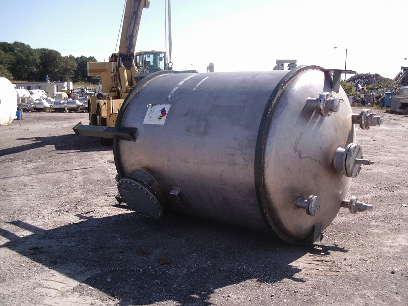 Used Southern Boiler & Tank Works approx 1500 gallon vertical S/S Tank