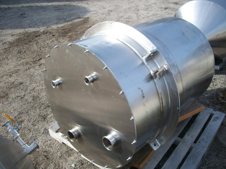 Used approximately 130 gallon vertical 316 stainless steel tank(SOLD)