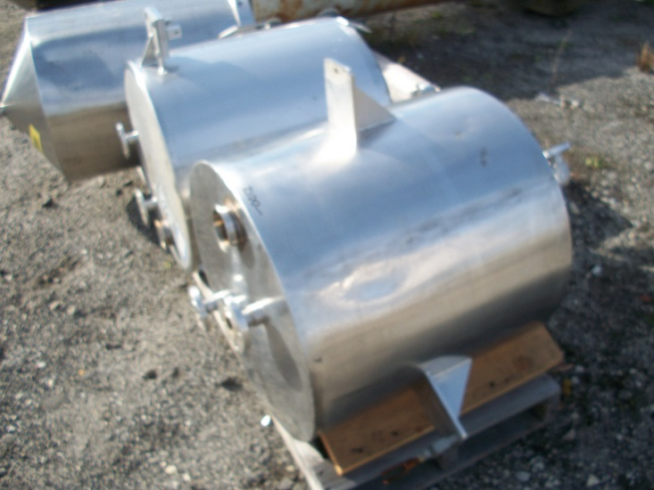Used approximately 40 gallon vertical 316 stainless steel tank