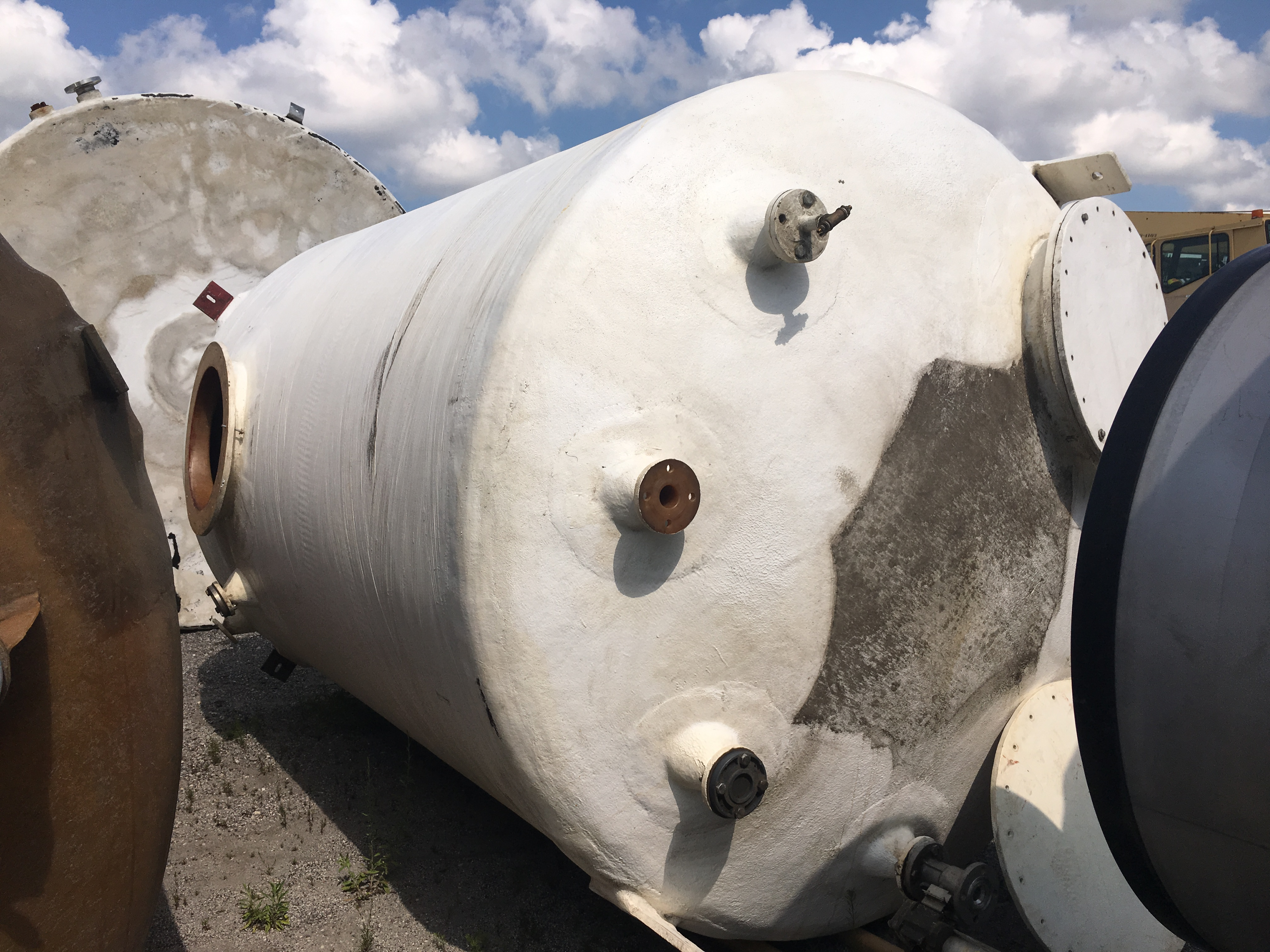 Used Southeastern Fiberglass Products Inc. 4100 gallon fiberglass tank