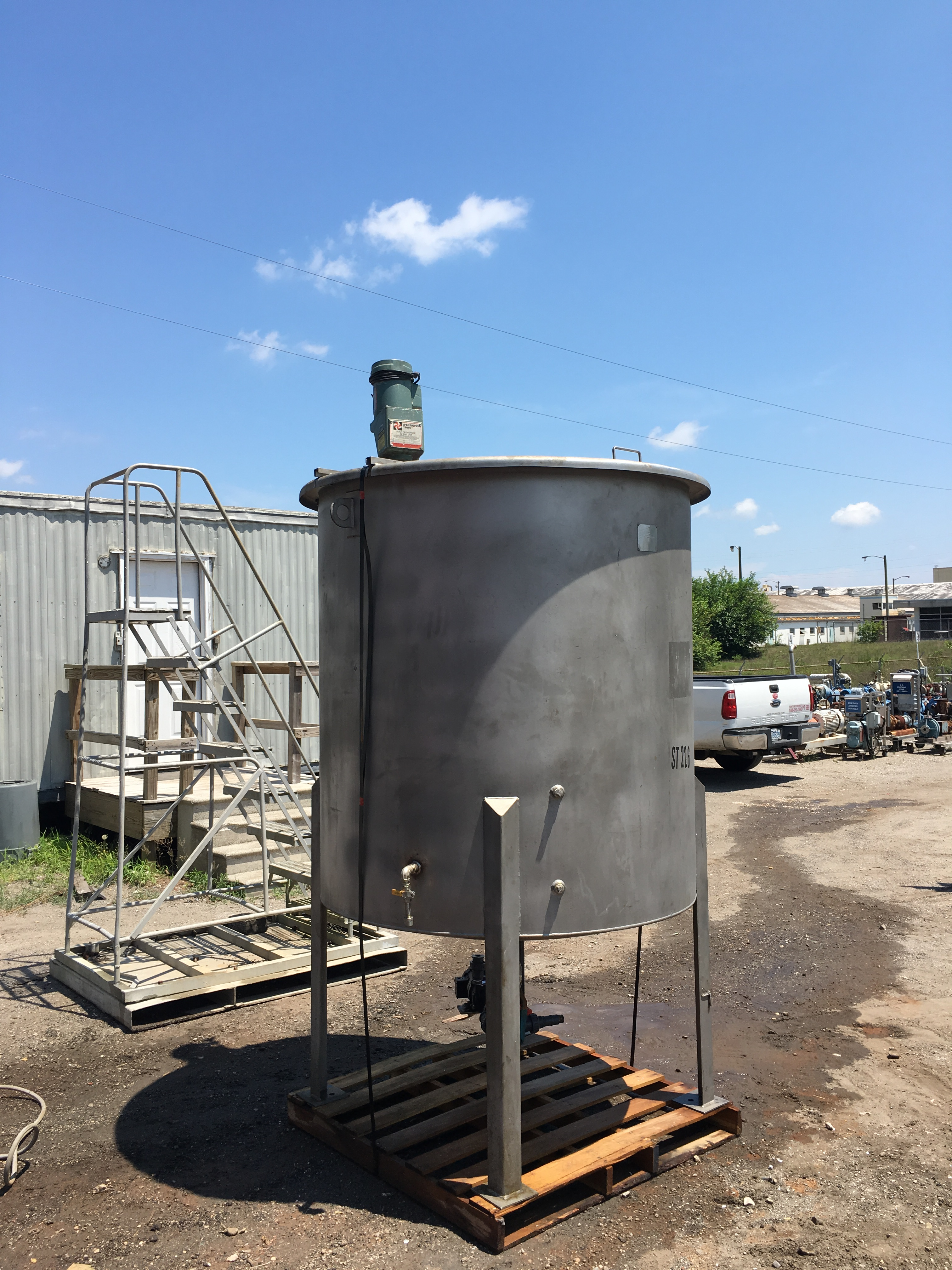 Used Bendel 600 gallon 316L stainless steel mix tank(SOLD)
