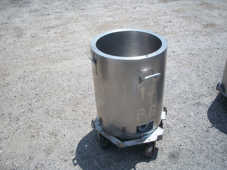 Used approximately 24 gallon 304 stainless steel jacketed tank.(SOLD)