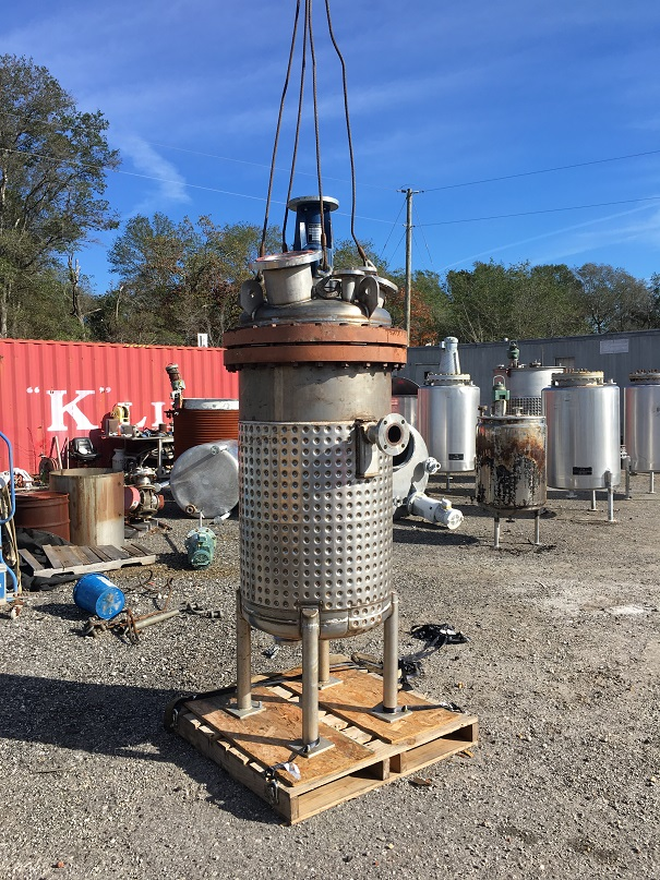 Used Stainless Fabrications Inc. approximately 150 gallon vert.SS tank
