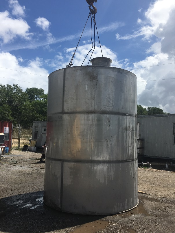 Used approximately 6000 gallon 304 stainless steel vertical
