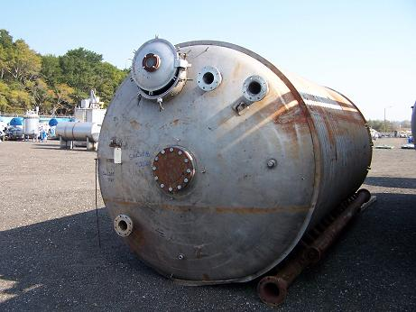Used approximately 6000 gallon vertical T-304 stainless