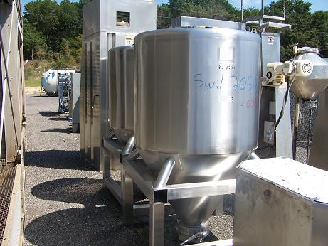 Used Meto Corp. 1600 L 304 stainless steel dry powder tote.  Model BB-1600.