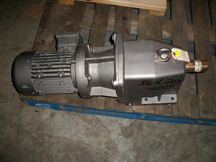 Unused nord unicase gear reducer type sk42 180tc1 100l 40 for Nord gear motor catalogue