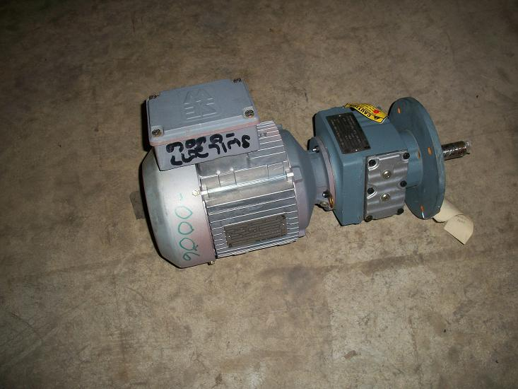 Unused SEW Euro-Drive Type RF37DT90L2 gear reducer