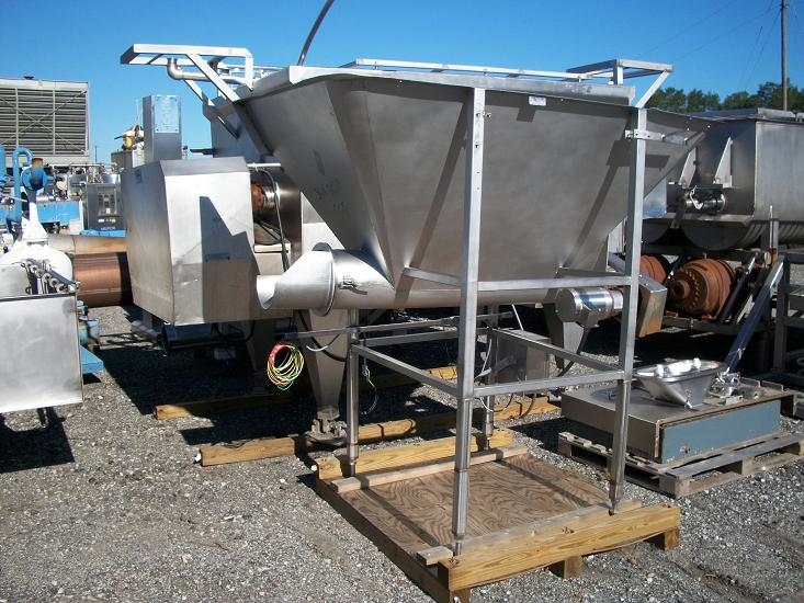 Used RMF approximately 24 cu. Ft. model CT-600 304 S/S screw feed hopper