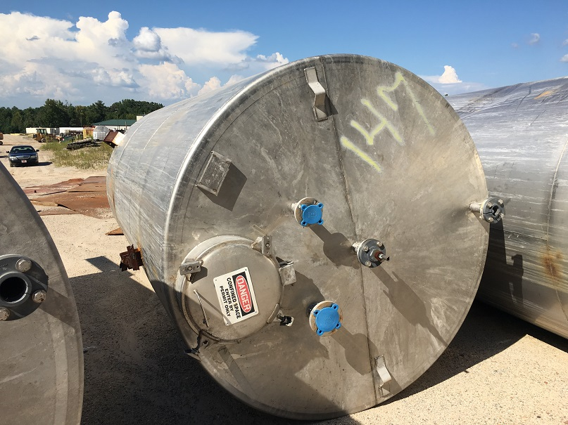 Used Whiting approximately 4000 gallon 304L Stainless Steel tank.