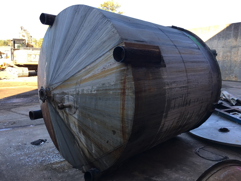 Used approximately 3000 gallon SS Tank