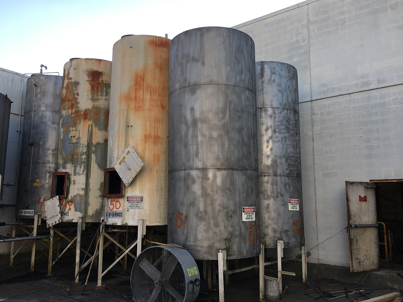 Used approximately 2400 gallon SS Tank(SOLD)