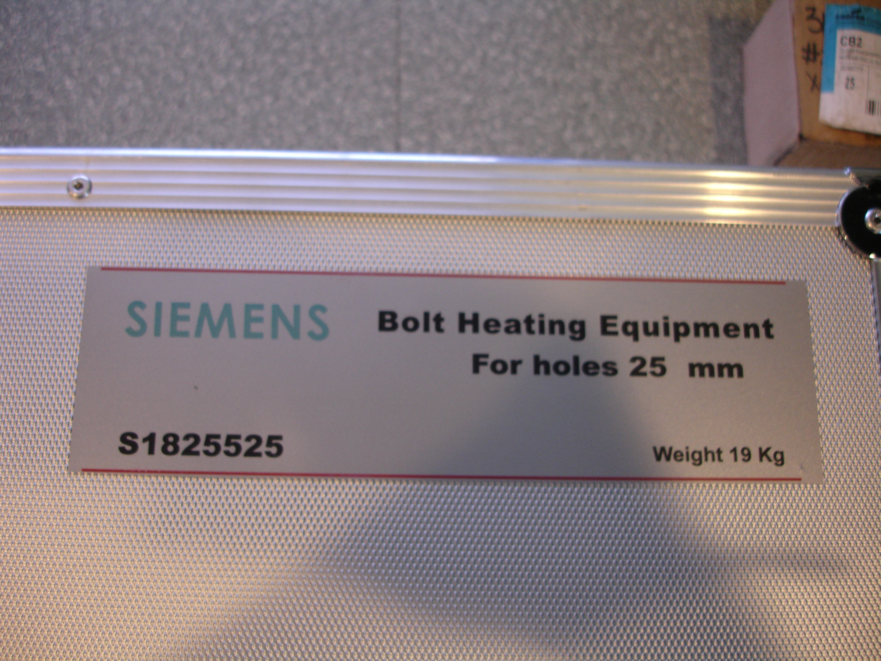 NEW SIEMENS Bolt Heating Equipment For Holes 20mm