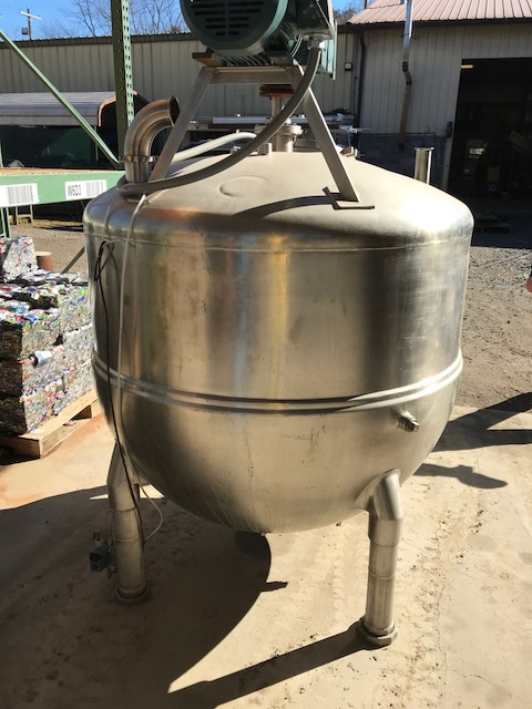 GROEN 250 GALLON SINGLE MOTION JACKETED SCRAPE SURFACE VACUUM KETTLE