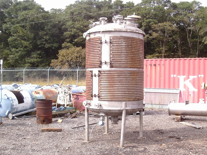 Used Precision Stainless Steel 900 gal. vert. 304 S/S  mix tank