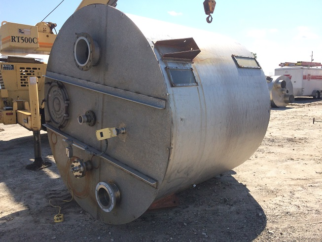 Used approximately 2700 gallon/368 cu. Ft stainless steel cone bottom Tank