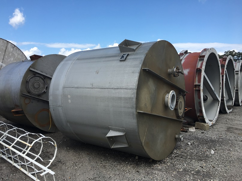 Used Imperial Calumet Industries approximately 2700 gallon/368 cu. Ft Tank