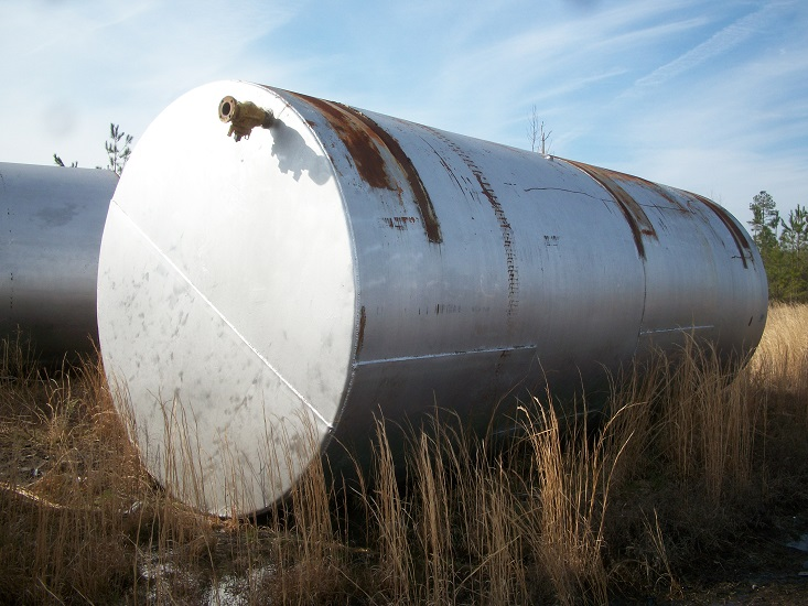 Used approximately 14,000 gallon working capacity horizontal C/S Tank