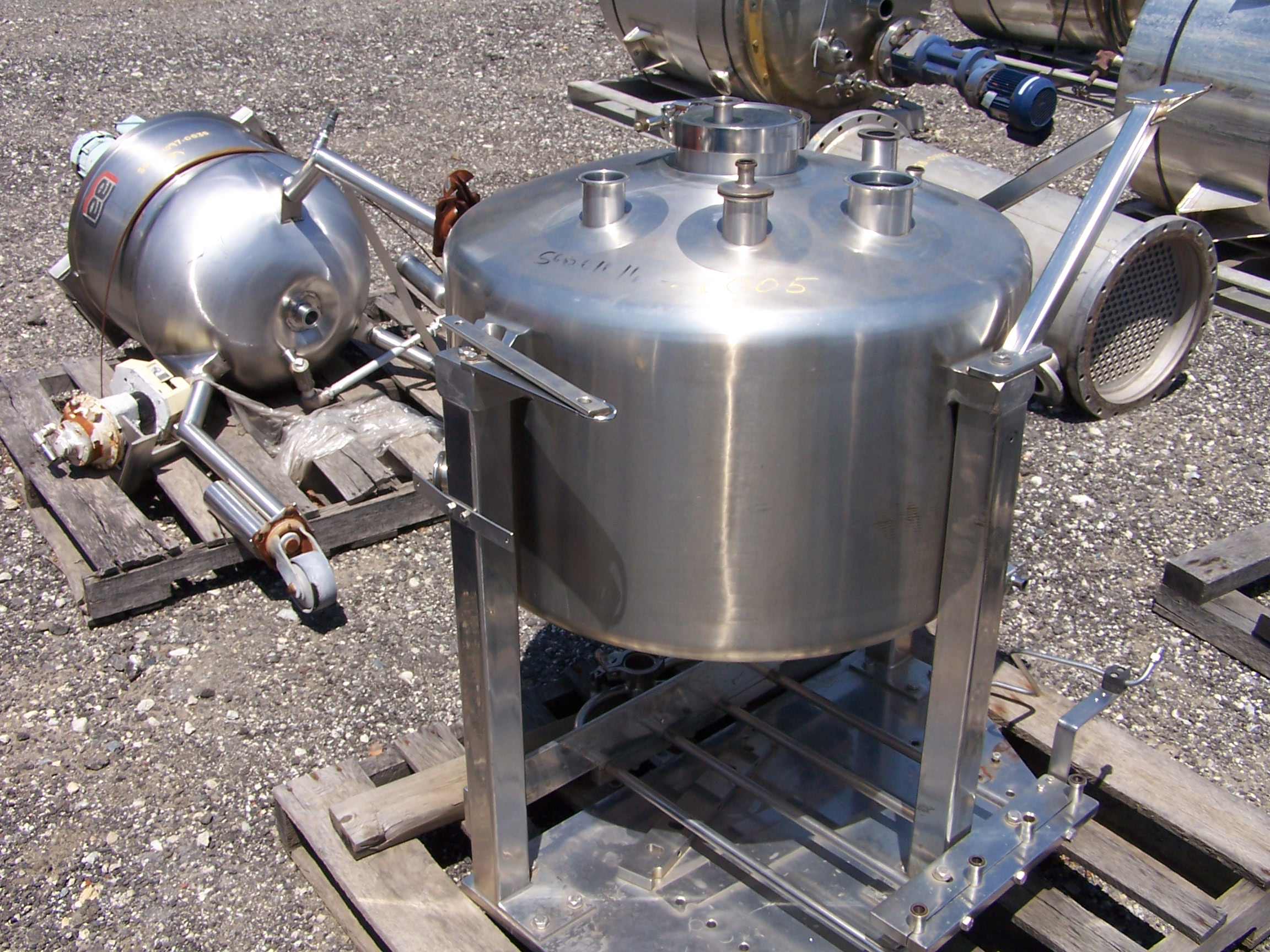 Unused approximataley 35 gallon vert. sanitary T-316 S/S vacuum tank