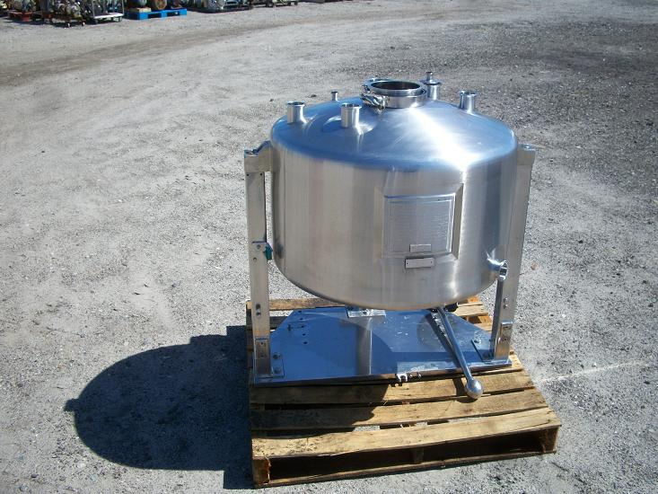 Unused approximately 35 gallon vert. sanitary T-316 S/S vacuum tank
