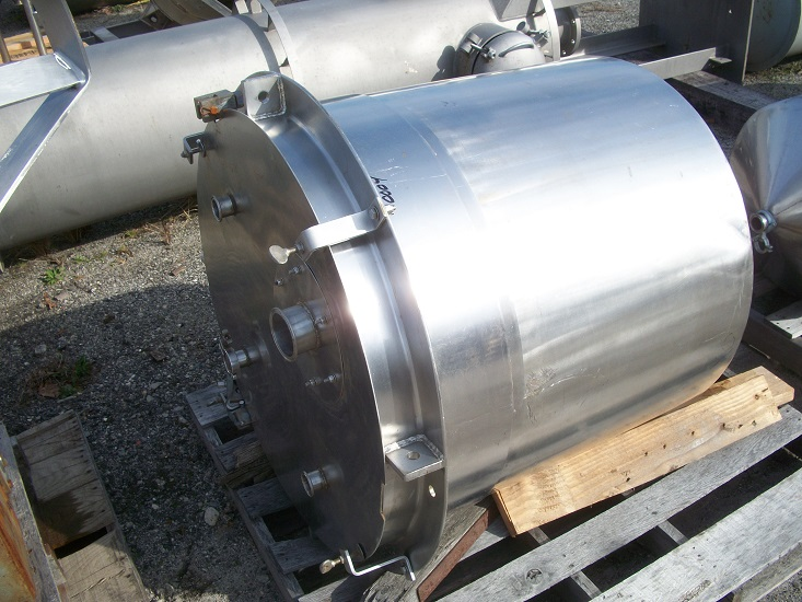 Used approximately 110 gallon vertical 316 stainless steel tank