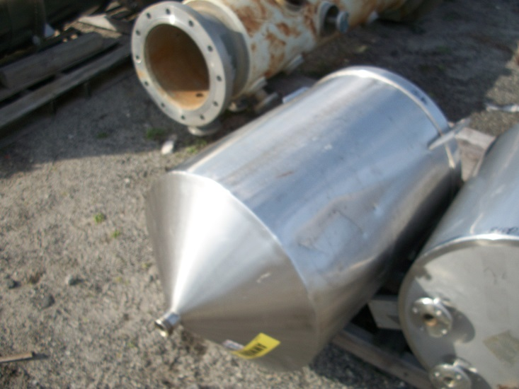 Used approximately 50 gallon vertical 316 stainless steel tank