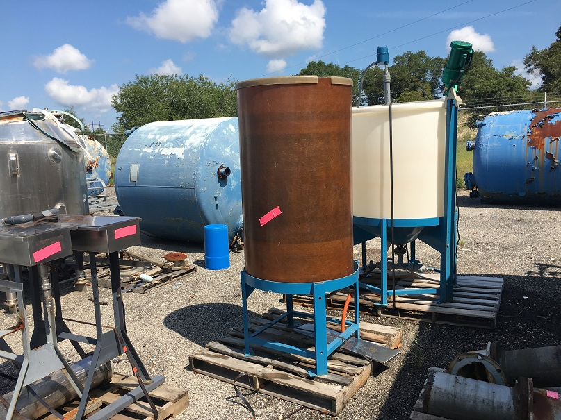 Used Fiberglass Tanks - DH Griffin Used Equipment
