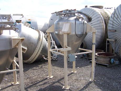 Used Whirl Air Flow approx. 160 gallon 304 S/S cone bottom tank/ hopper