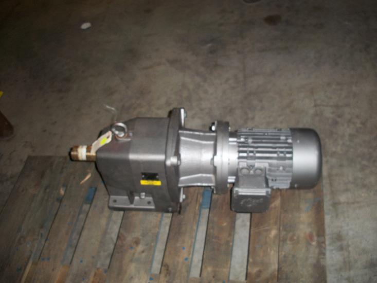 Unused Nord unicase gear reducer. Type SK42-180TC1-100L/40 CUS.