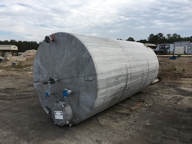 Used Whiting approximately 4000 gallon 304L Stainless Steel tank