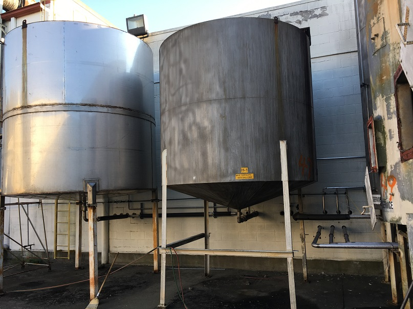 Used approximately 4200 gallon SS Tank